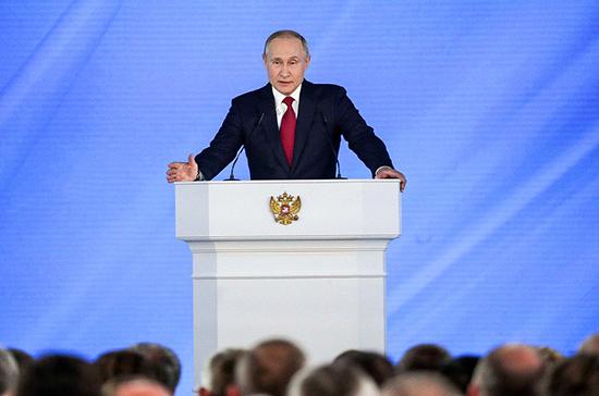 Президент предложил ежегодно увеличивать количество бюджетных мест в вузах