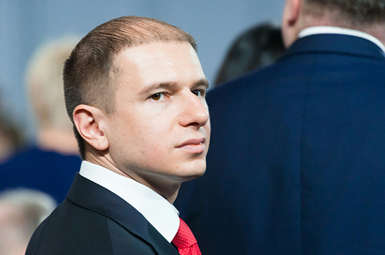Депутат Романов принял участие в патриотической акции «Ленинградская вахта памяти»