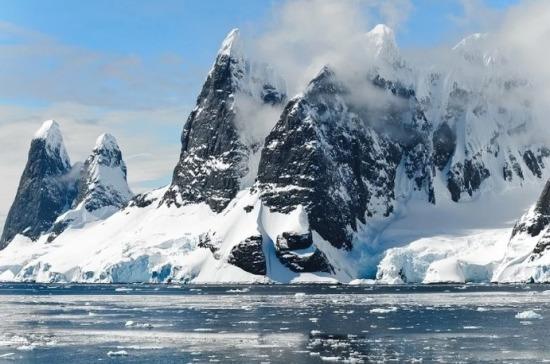 Россия обеспокоена из-за роста активности НАТО в Арктике, заявили в МИД РФ