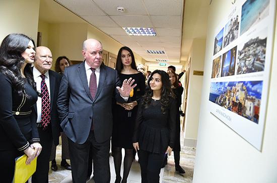 В Совете Федерации открылась фотовыставка «Мир глазами жён дипломатов»