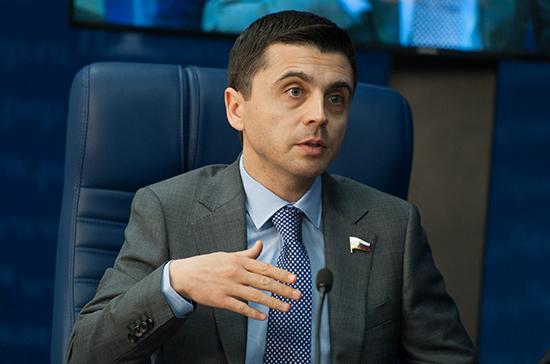 Бальбек оценил данные о числе пассажиров поездов в Крым