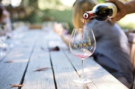 Кардиолог рассказала, сколько вина можно пить без вреда