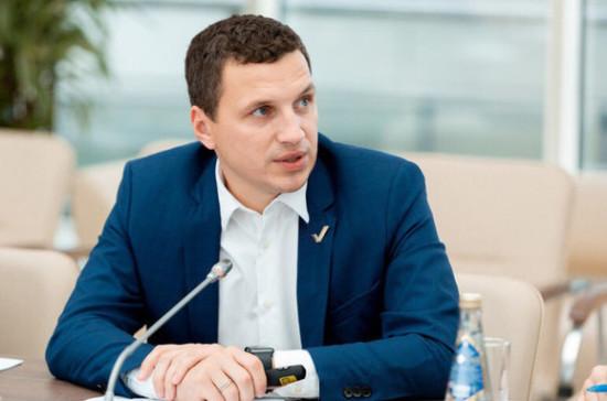 Васильев: наказание для водителя с телефоном в руке должно быть неотвратимым
