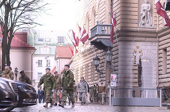 Глава кабмина Латвии выступил против объединения трёх спецслужб страны