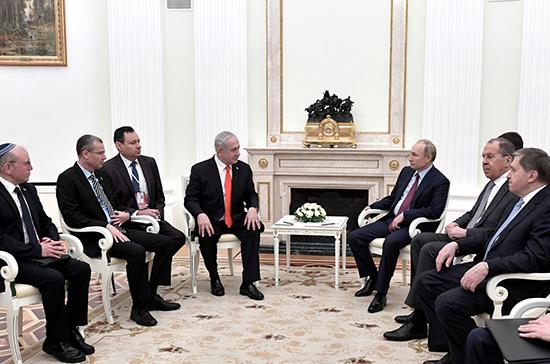 Владимир Путин предложил израильскому премьеру обсудить двусторонние отношения