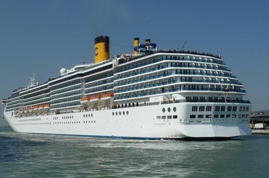 В Италии из-за коронавируса задержали круизный лайнер с россиянами на борту