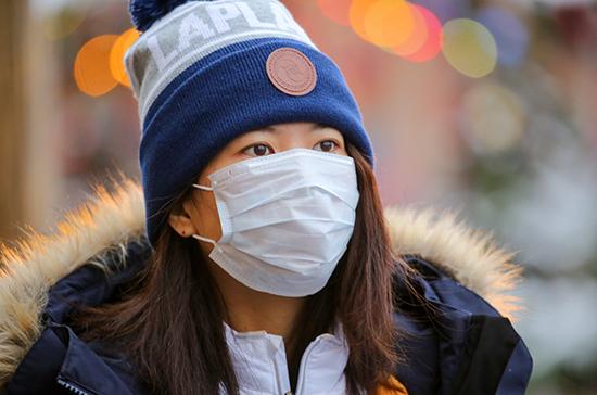 Роспотребнадзор предложил работодателям продлить отпуск работникам из Китая