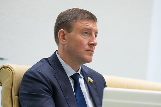 «Единая Россия» сделает доступной покупку лекарств в сельской местности, заявил Турчак