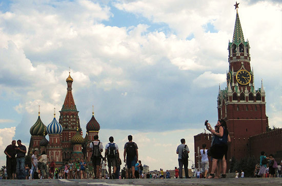 Проводить экскурсии могут разрешить только гражданам России