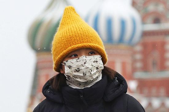 Эксперты предупредили о возможности подхватить коронавирус при игре в снежки