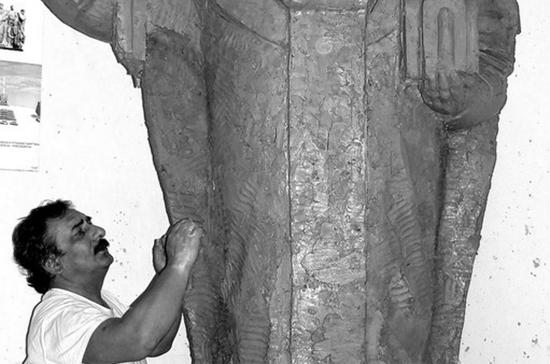 Умер известный скульптор Арам Григорян