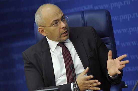 Николаев призвал усилить контроль над строительством жилья для дольщиков