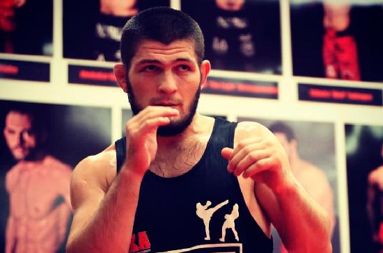 Отец Нурмагомедова рассказал, через сколько боёв Хабиб может закончить карьеру