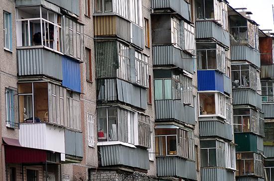 В Петербурге предлагают не штрафовать горожан, остекливших балконы и лоджии до 11 января