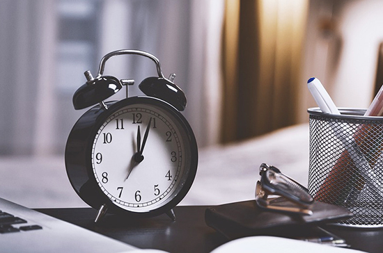 Учёные рассказали о связи между мелодией будильника и пробуждением