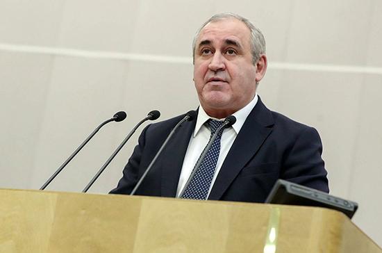 Неверов призвал депутатов провести мониторинг готовности школ к выполнению закона о горячем питании