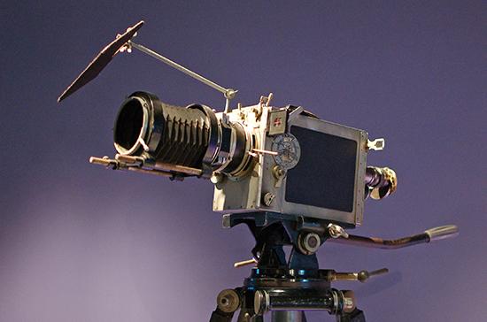 125 лет назад братья Люмьер запатентовали первую кинокамеру