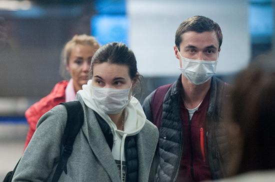 Спрос на медицинские маски обусловлен информационными кампаниями, заявили в ФАС