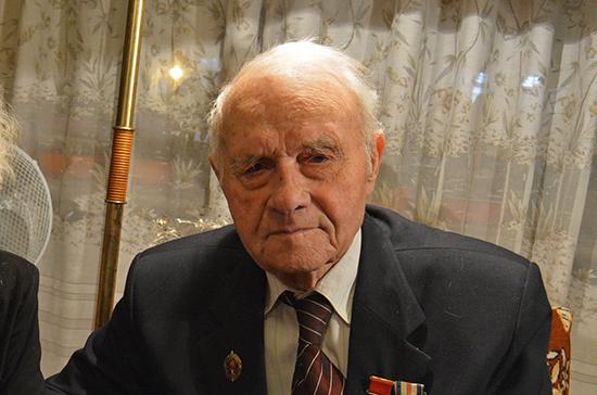 Виктор Золотов поздравил героя-фронтовика со столетним юбилеем