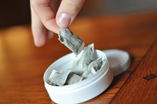 Минздрав поддержал поправку о полном запрете продажи никотиносодержащих смесей