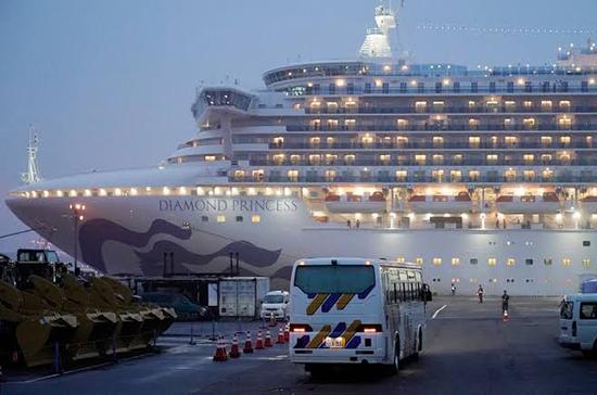 МИД: вопрос об эвакуации россиян с судна в Японии нужно рассматривать после карантина