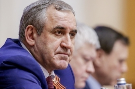 Неверов: Россия остаётся единой и сильной страной благодаря своим защитникам