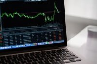 Эксперт оценил обвал фондовых рынков из-за эпидемии коронавируса