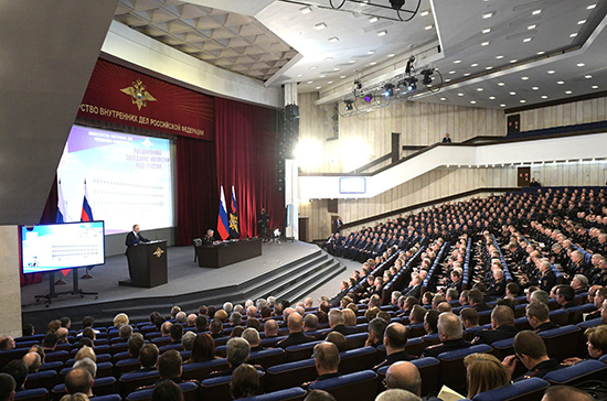 Путин поручил закрыть доступ к сайтам с пропагандой наркотиков