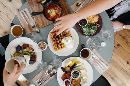 Диетолог рассказала, каким должен быть правильный завтрак