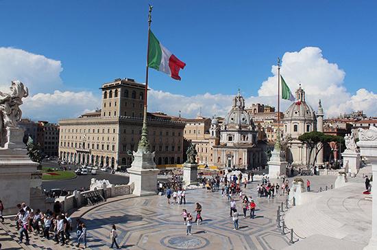 В Риме на дополнительных выборах в палату депутатов парламента победил Роберто Гуалтьери