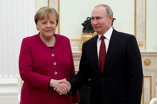 Путин и Меркель обсудили ситуацию в Идлибе