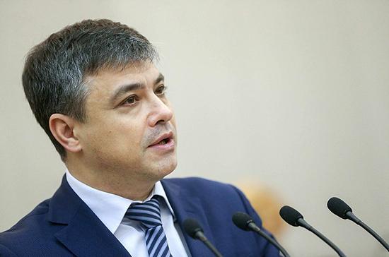 Морозов рассказал, когда проект о завышении цен аптеками могут рекомендовать к первому чтению