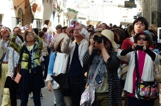 Экскурсоводы без российского гражданства могут лишиться работы