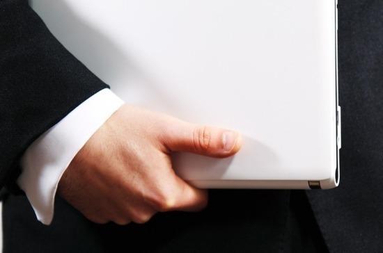 Региональным депутатам могут разрешить управлять коммерческими организациями