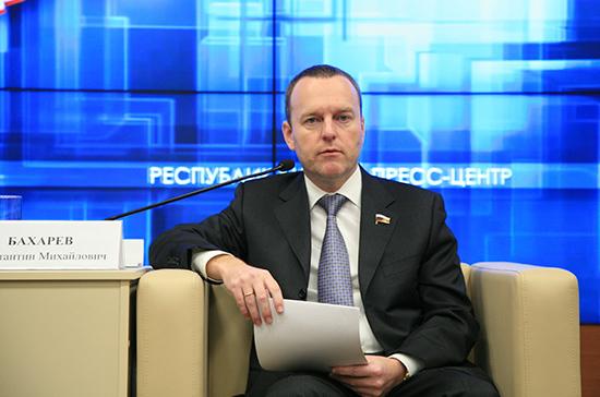 Бахарев прогнозирует высокую явку крымчан при голосовании по Конституции