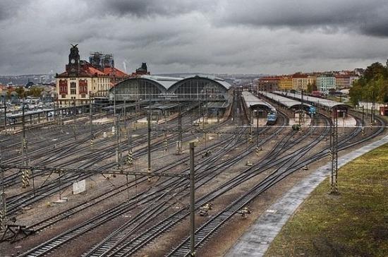 РЖД отменяют движение пассажирских поездов в Прагу
