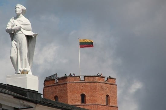 Литва вводит карантин по всей стране с 16 марта