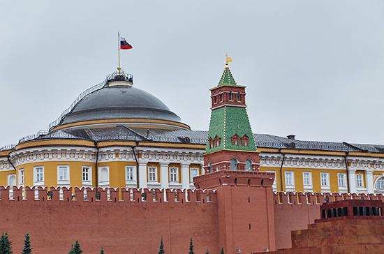 В Кремле оценили возможность введения режима ЧС в России из-за коронавируса
