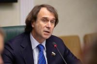 Государственные телеканалы должны давать объективную информацию, заявил Лисовский