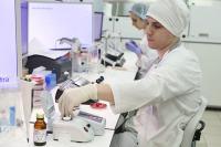 В России нет дефицита тестов на коронавирус, сообщили в кабмине