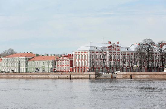 Петербургский госуниверситет разрешил иногородним студентам разъехаться по домам