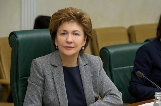 Карелова отметила активность волонтёров по информированию пожилых людей о коронавирусе