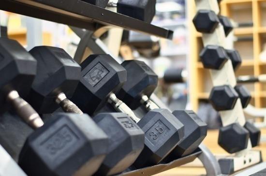 В Петербурге закрывают фитнес-центры и бассейны