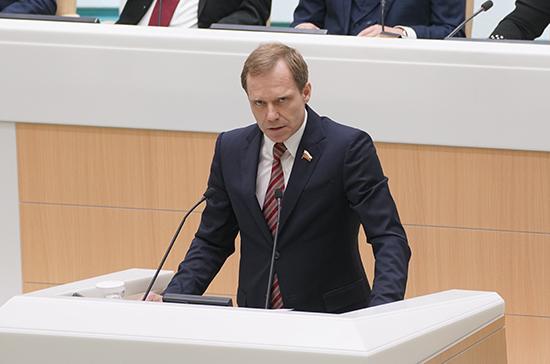 Кутепов призвал не сеять панику по поводу ограничения выдачи денег через банкоматы
