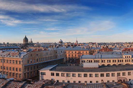 В Петербурге туристов хотят пустить на крыши