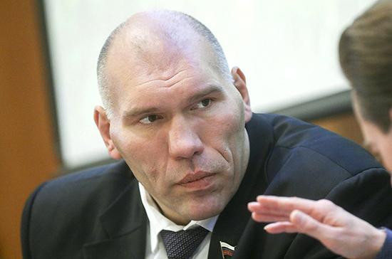 Валуев призвал не отказываться от занятий спортом в домашних условиях