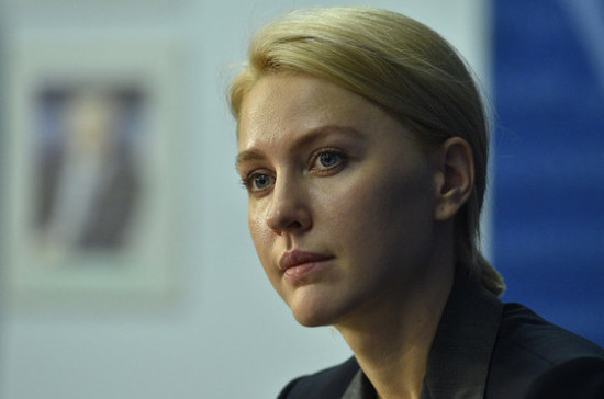 Аршинова предложила обеспечить школьников продуктовыми наборами на время дистанционной учёбы