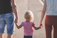 Выплаты на поддержку семей с детьми начнутся на месяц раньше срока