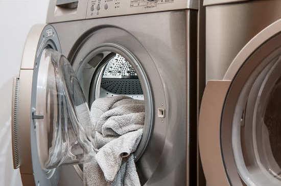 Когда изобрели стиральную машину