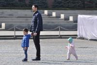 Россиянам рекомендовали не гулять с детьми из-за коронавируса